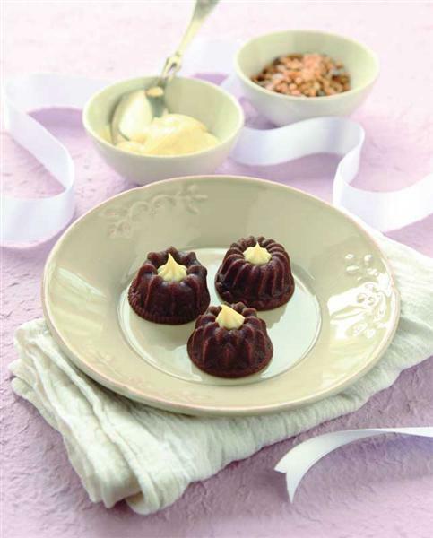 Silikonform mini kuchen kreatives gestalten for Kuchen farbig gestalten